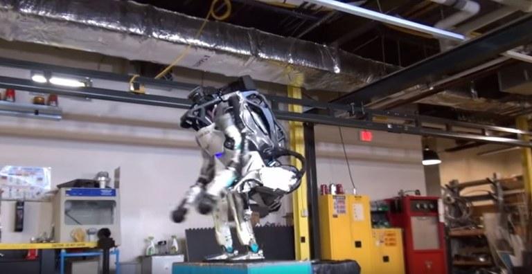 Robot summersault