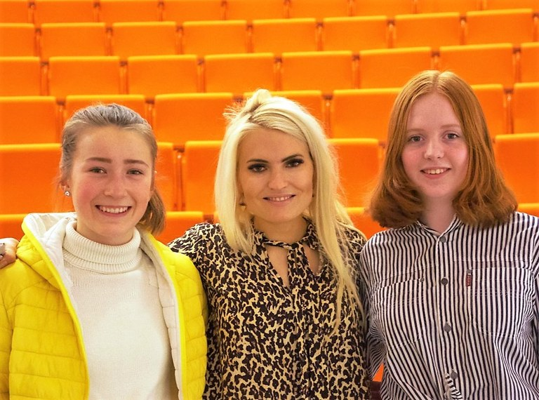Oda Groth Brodtkorb, Isabelle Ringnes og Maja Stenøien.