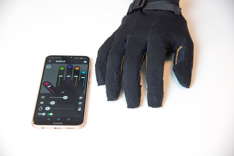 Robot glove and app