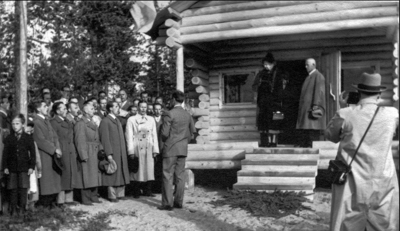 Roosevelt at cabin